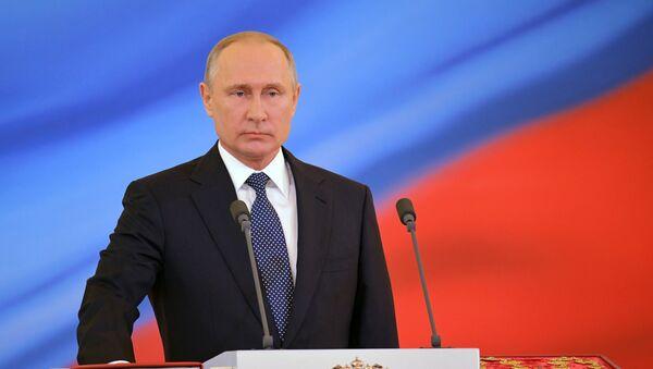 7 maya 2018. Izbrannыy prezident RF Vladimir Putin vo vremya tseremonii inauguratsii v Kremle - Sputnik Oʻzbekiston