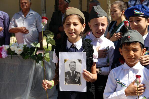 7 мая 2018 года в школе №302 Юнусабадского района города Ташкент прошло праздничное мероприятие, посвященное Дню Победы в Великой Отечественной войне - Sputnik Узбекистан