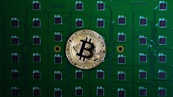 Технология блокчейн и монета биткоин - Sputnik Узбекистан