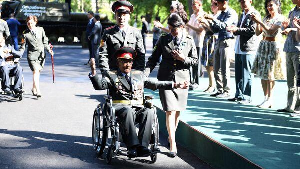Veteran na meropriyatii posvyaщennom 9 maya, Tashkent, Uzbekistan - Sputnik Oʻzbekiston