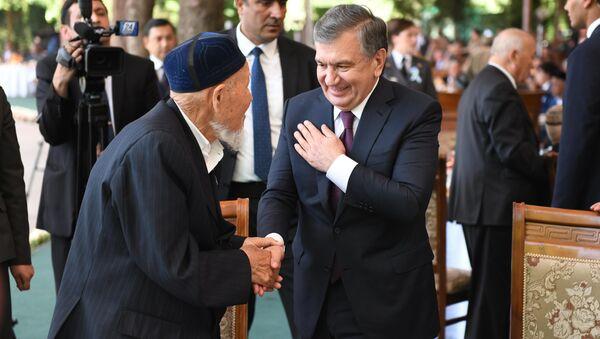 Президент Узбекистана поздравляет ветерана Второй мировой войны - Sputnik Ўзбекистон