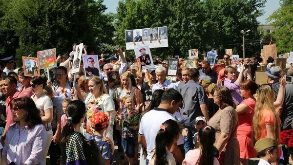 Акция Бессмертный полк в Ташкенте на территории комплекса Братские могилы - Sputnik Ўзбекистон