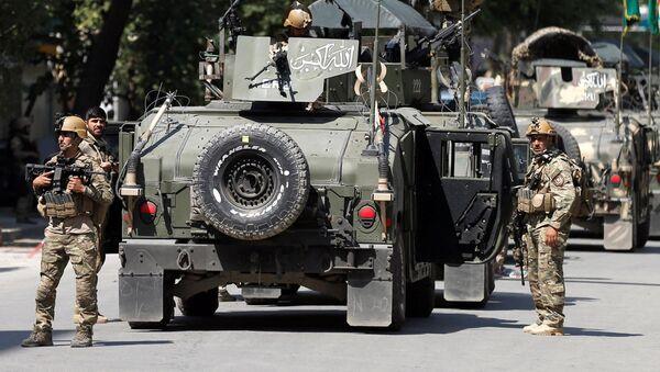 Афганские силы безопасности прибывают на место нападения и обстрела в Кабуле - Sputnik Ўзбекистон