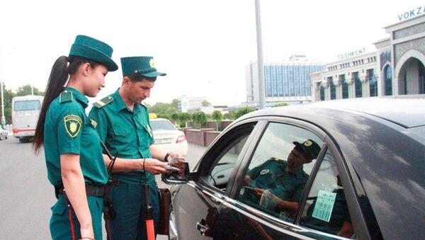 В Ташкенте появились две девушки, работающие инспекторами дорожно-патрульной службы. - Sputnik Узбекистан