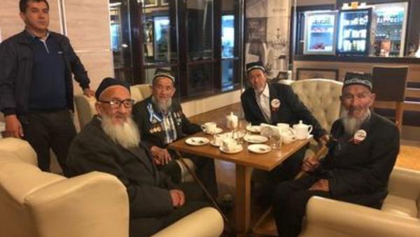 Группа ветеранов из Узбекистана по ошибке прилетела в Сочи - Sputnik Ўзбекистон