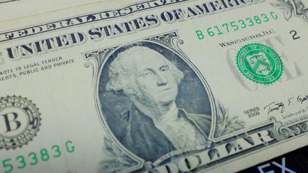 Доллары США. - Sputnik Узбекистан