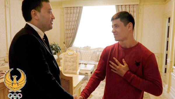 Умид Ахматджанов принял профессионального боксера Шохжахона Эргашева - Sputnik Узбекистан
