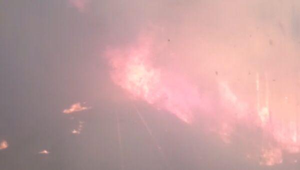 Поезд проехал через лесной пожар в Хабаровской крае - Sputnik Узбекистан