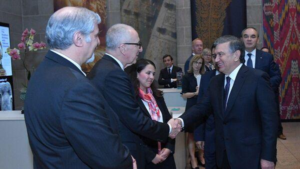 Prezident Shavkat Mirziyoyev posetil galereyu iskusstva v Vashingtone - Sputnik Oʻzbekiston