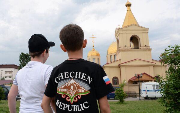 Reydы MVD Chechenskoy Respubliki po obespecheniyu bezopasnosti dorojnogo dvijeniya - Sputnik Oʻzbekiston
