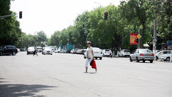 Рейд с сотрудниками УБДД Ташкента  - Sputnik Узбекистан
