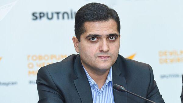 Политолог Эльхан Шахиноглу - Sputnik Узбекистан