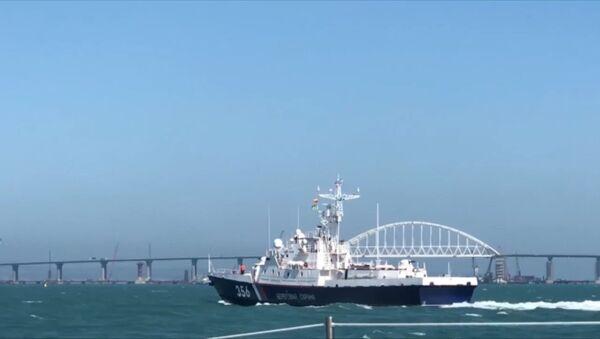 СПУТНИК_Жителям Крыма показали корабли, охраняющие морские рубежи в районе Крыма - Sputnik Узбекистан