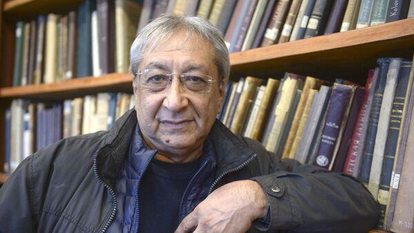 Доктор искусствоведения Акбар Хакимов  - Sputnik Узбекистан