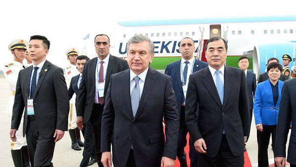 Президент Узбекистана прибыл в Циндао - Sputnik Ўзбекистон