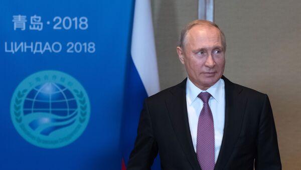 Президент РФ В. Путин на саммите ШОС в Китае - Sputnik Узбекистан