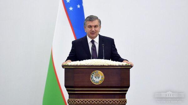 Президент Узбекистана Шавкат Мирзиёев на встрече с активом Ферганской области - Sputnik Ўзбекистон