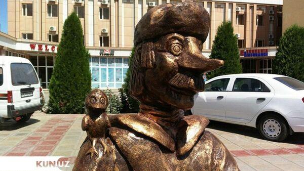 В Узбекистане установили памятник мультяшному почтальону Печкину - Sputnik Узбекистан
