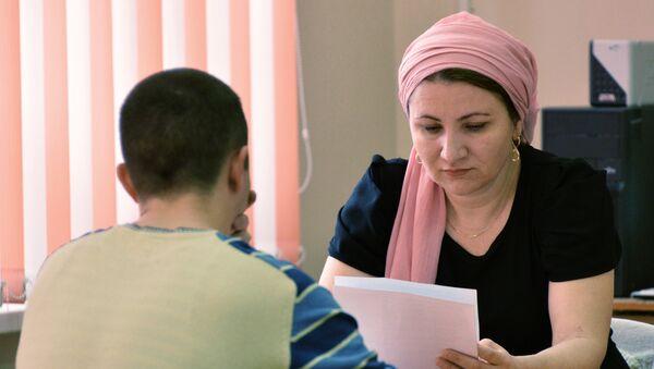 Учительница средней школы. Архивное фото - Sputnik Ўзбекистон