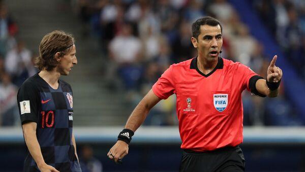 Равшан Ирматов на матче  ЧМ-2018 Аргентина - Хорватия - Sputnik Ўзбекистон