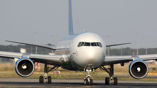 Samolet Boeing NAK Uzbekiston xavo yullari - Sputnik Oʻzbekiston