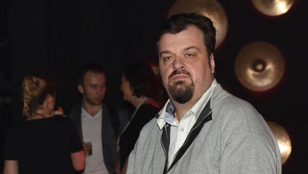 Спортивный комментатор, телеведущий Василий Уткин - Sputnik Ўзбекистон