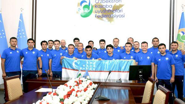 Vrachi iz Uzbekistana primut uchastiye v igrax na CHM po futbolu sredi meditsinskix rabotnikov - Sputnik Oʻzbekiston