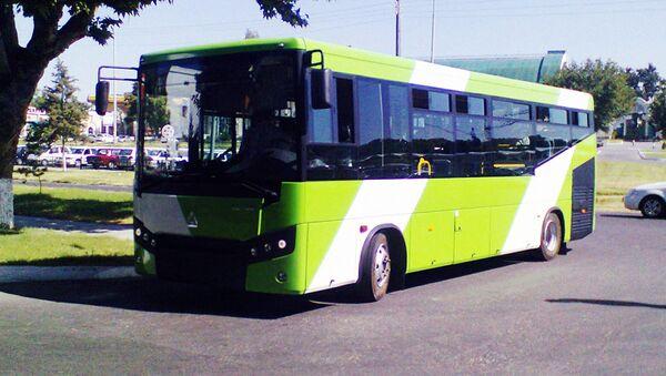 Низкопольный автобус SAMAUTO LE 60 - Sputnik Узбекистан