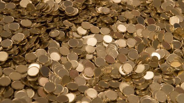 Заготовки для чеканки монет - Sputnik Ўзбекистон
