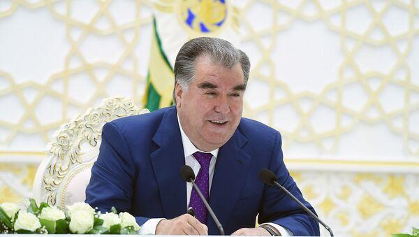 Президент Республики Таджикистан Эмомали Рахмон, архивное фото - Sputnik Узбекистан