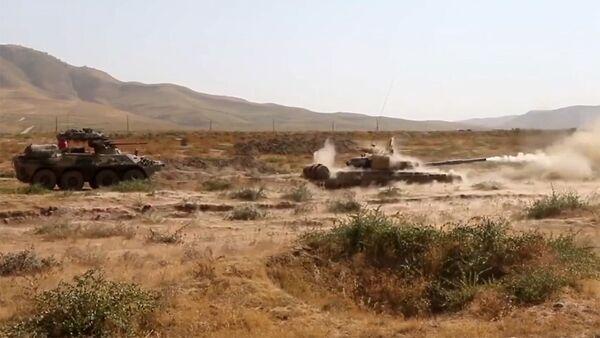Российские военные защитили базу от террористов на учебном полигоне - Sputnik Ўзбекистон