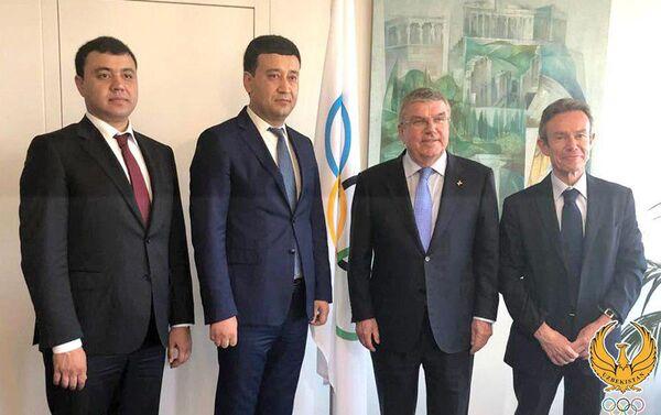 Умид Ахматджанов встретился с Президентом МОК Томасом Бахом - Sputnik Узбекистан