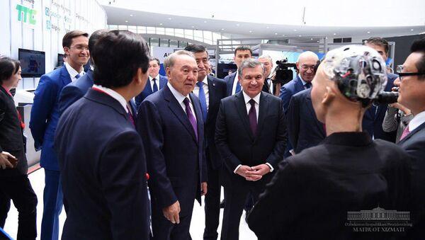 Президент Республики Узбекистан Шавкат Мирзиёев и Президент Республики Казахстан  Нурсултан Назарбаев - Sputnik Ўзбекистон