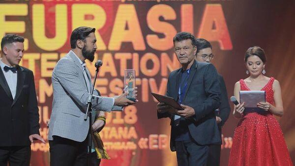 Узбекский актер Карим Мирхадиев признан лучшим на кинофестивале Евразия - Sputnik Ўзбекистон