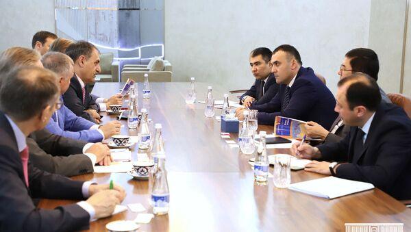 Встреча заместителя министра финансов с Финансово-банковским советом СНГ - Sputnik Узбекистан