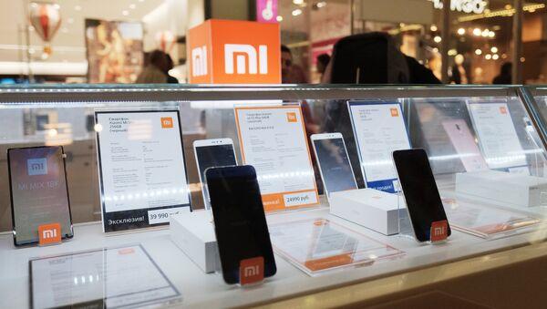 Продажа смартфонов Xiaomi. - Sputnik Ўзбекистон