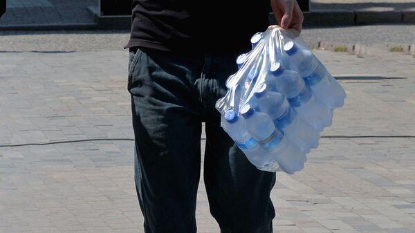 Питьевая вода в бутылках - Sputnik Ўзбекистон