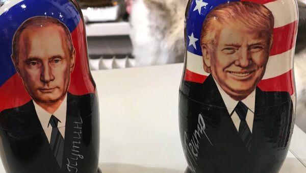 Матрёшки с портретами Путина и Трампа появились в Хельсинки - Sputnik Узбекистан