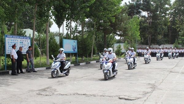 ДПС Душанбе получила 20 новых скутеров из Узбекистана - Sputnik Узбекистан