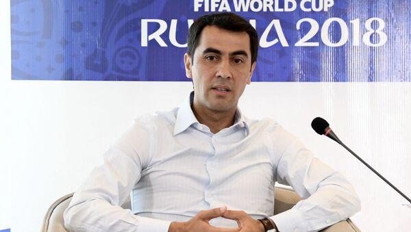 Узбекский футбольный арбитр Равшан Ирматов - Sputnik Узбекистан