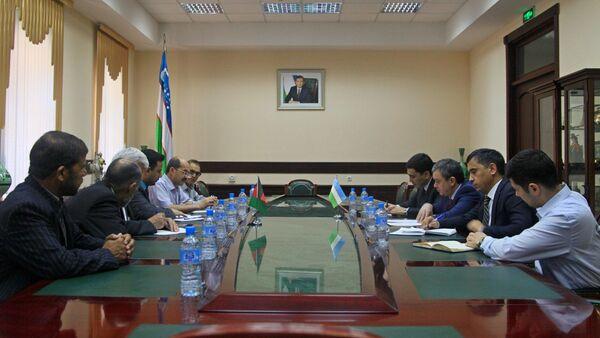 Узбекистан провел переговоры с Афганистаном по торговле и экономике - Sputnik Узбекистан