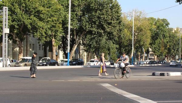 Одна из улиц Ташкента - Sputnik Узбекистан