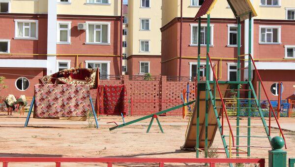 Детская площадка в одном из дворов Ташкента - Sputnik Узбекистан