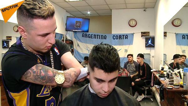 Безрукий парикмахер – лучший в Аргентине - Sputnik Узбекистан