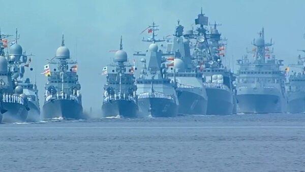 СПУТНИК_Главный военно-морской парад в честь дня ВМФ России - Sputnik Ўзбекистон