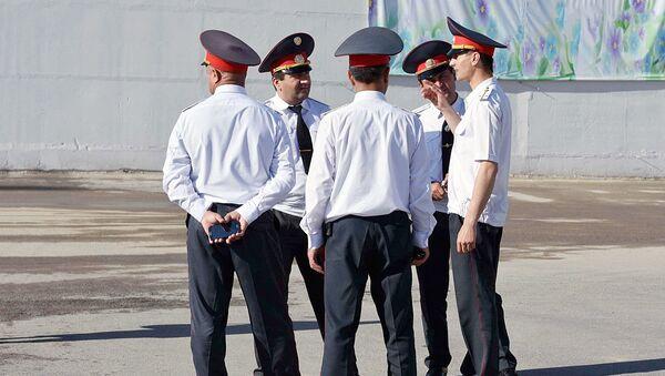 Таджикские милиционеры - Sputnik Ўзбекистон