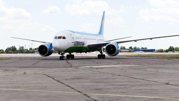 Dreamliner узбекских авиалиний - Sputnik Узбекистан