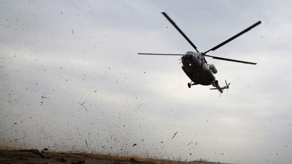 Вертолет Ми-8 - Sputnik Узбекистан