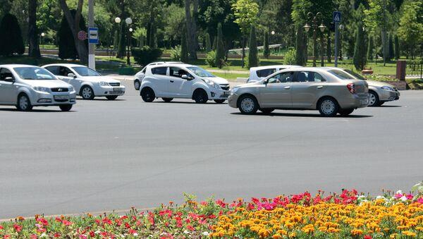 Автомобили в Ташкенте - Sputnik Ўзбекистон