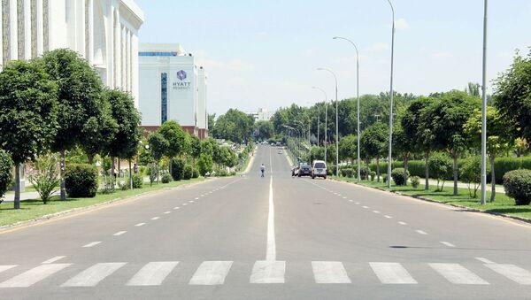 Пешеходный переход радом с отелем Хаят - Sputnik Ўзбекистон